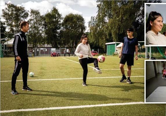 """?? FOTO: CLAUDIO BRITOS ?? FOTBOLL I BROMMA. """"Det är stor skillnad mot Afghanistan, där finns inga fält att spela på"""", säger Sayed Reza, till höger. Kickar boll gör Elaha Asghary, till vänster står Ängby IF:s Christoffer Bjäreborn."""