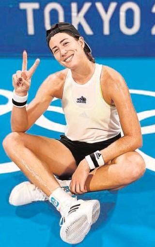 ?? // @GARBIMUGURUZA ?? —¿Qué otros deportes le gustaban? Muguruza, ayer en las instalaciones olímpicas —¿Le pregunta muchas cosas?