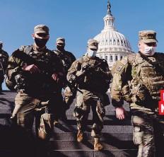 ?? AP ?? PRESENCIA MILITAR Miles de soldados han sido acuartelados en el interior del Capitolio, que el 6 de enero fue asaltado por una turba de simpatizantes de Donald Trump.