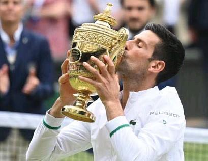 ?? FOTO REUTERS ?? Novak Djokovic schreef vorig weekend Wimbledon op zijn naam.