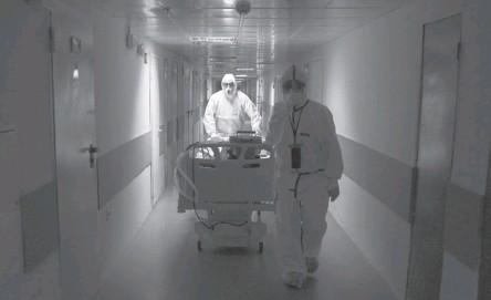 ??  ?? Больницы, перепрофилированные под COVID-госпитали, продолжают работу в том же режиме.