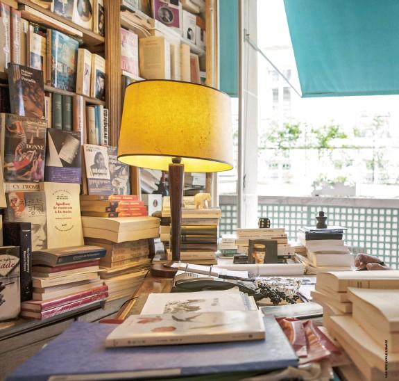 ??  ?? TEL QUEL Philippe Sollers dans son bureau chez Gallimard en 2012.