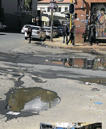?? Pictures: Alon Skuy ?? As Johannesburg's pothole crisis worsens, the agency responsible for fixing them is paralysed by boardroom shenanigans.