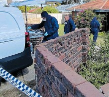 ?? Picture: Arylene Westlake-Jennings ?? Police at the home.