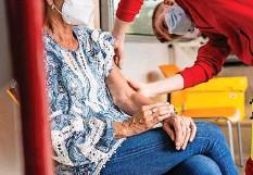 ?? 20MIN/CELIA NOGLER ?? Schweizer Infektiologe fordert die dritte Impfung.
