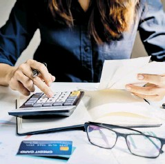 ??  ?? El impuesto sobre la renta se cobra con base en los ingresos, bienes y compras de los contribuyentes.