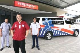 ?? YUYUNG ABDI/JAWA POS ?? PROFESIONAL: Beroperasinya gedung baru tiga lantai RS Premier Surabaya akan mempersingkat waktu respons petugas medis di IGD.