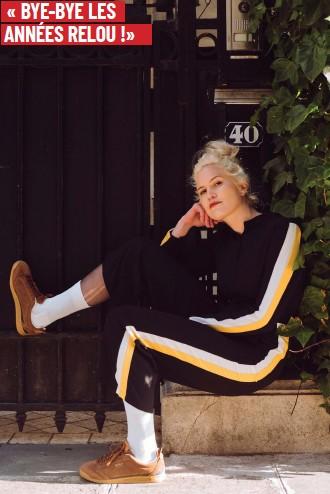 ??  ?? Marion porte des Kickers Kick 18 en croûte de cuir, Collection Sportswear Printemps Eté 2019