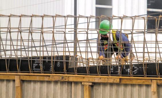 ?? / ADID JIMÉNEZ ?? Entre 2011 y 2012 se reportaron alrededor de 100 obras pendientes en la capital
