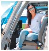 ??  ?? Diego Velásquez, de Fly Colombia, y Juana María Vásquez, de Sky Adventure Colombia, ven oportunidades en este modelo de negocio, atractivo para turistas que quieren disfrutar la experiencia de volar en helicóptero.