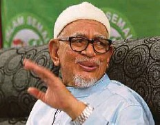 ?? FILE PIC ?? Pas president Datuk Seri Abdul Hadi Awang says Pas will prove its newly minted cooperation with Umno at the Tanjung Piai byelection.