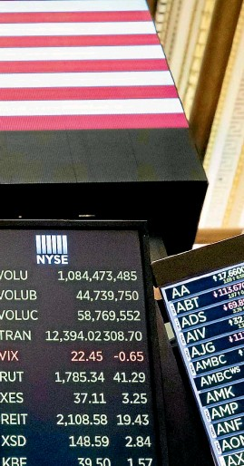 ?? AP ?? The Dow Jones In­dus­trial Av­er­age has climbed even higher since last week, pass­ing the 30,000 mark for the first time.