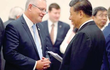 ??  ?? Dialogo interrotto Il premier Scott Morrison e il presidente Xi Jinping: grande tensione dopo che l'Australia ha chiesto un'indagine sull'origine del Covid