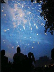 ?? MEDIANEWS GROUP FILE PHOTO ?? Even before the snow has melted, the organizers for Pottstown's GoFourth Independence Day activities are beginning the fundraising to pay for perennial favorites like fireworks.