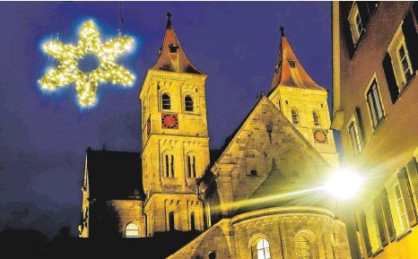 ?? FOTO: HAFI ?? Die Gottesdienste an Heiligabend auf dem Marktplatz finden bei Wind und Wetter wie geplant statt.