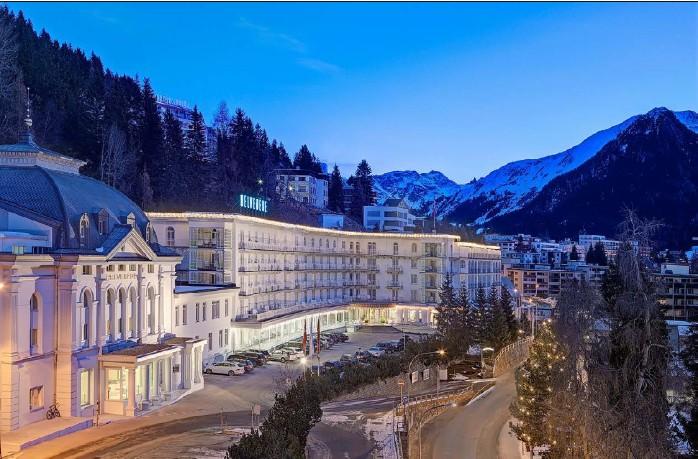 ?? Fotos: Steigenberger Hotels ?? Das Steigenberger Grandhotel Belvedere in Davos gehört zur Hotelgruppe Deutsche Hospitality. Während des WEF werden hier Staatschefs bewirtet.
