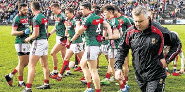 """?? PHOTOGRAPH: JAMES CROMBIE/ INPHO ?? March 19th, 2017: Mayo manager Stephen Rochford with his side before playing Cavan in their National League Division One tie ■ in Castlebar. Niamh Fitzpatrick, in her role as a sports psychologist, gave an introductory talk to the players not long after her sister's death. """"Those players shook my hand because they were giving me their condolences. I never got it at the time. It didn't occur to me. But that's what they were doing."""""""