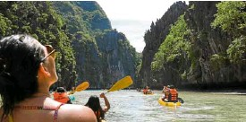 ??  ?? Visitors must tour the stunning islands and lagoons of El Nido.