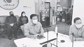 ??  ?? NGULU PROGRAM: Dr Abdul Rahman udah datai ngulu program licha projek SAWAS.