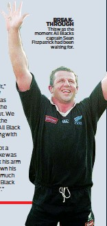 ??  ?? BREAKTHROUGH This was the moment All Blacks captain Sean Fitzpatrick had been waiting for.