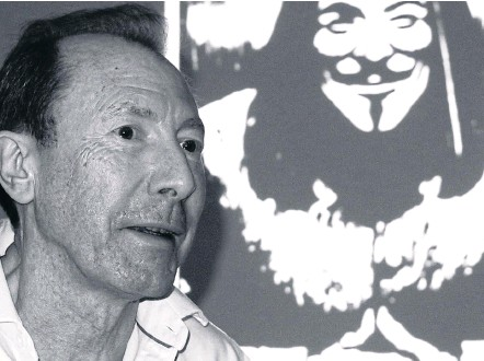 ??  ?? THE MAN BEHIND THE MASK: British artist David Lloyd, in Bangkok for an exhibition of his work at Chulalongkorn University, says everyone has the right to protest.