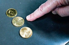 """??  ?? Gold coins at Wilshire Coin, in Santa Monica, Calif. Sorgenstein said, """"The public had a craving for metal."""""""