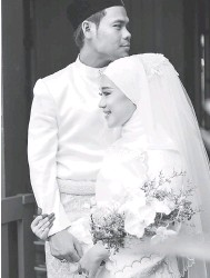 ??  ?? SINGLE BAHARU: Pengantin baharu Syamel dan Ernie Zakri muncul dengan single romantis 'Goodbye Hello' terbitan Rocketfuel Entertainment dengan kerjasama Faithful Music.