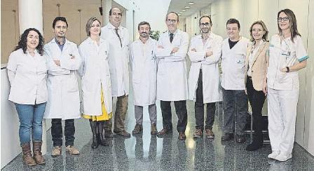 ??  ?? El equipo médico del Instituto de Columna del Hospital Quirónsalud Barcelona