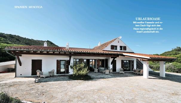 ??  ?? URLAUBSOASE Mit weißer Fassade und rotem Dach fügt sich das Haus regionaltypisch in die Insel-Landschaft ein.