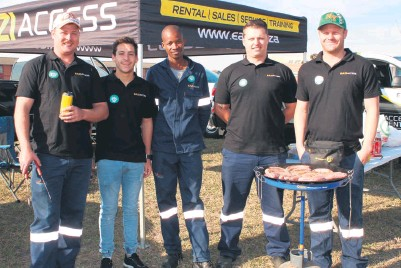 ??  ?? Eazi Access Richards Bay sponsored the machinery and equipment to erect the ZO Madiba Day washing line outside the Richards Bay Civic Centre and sold boerewors rolls to raise funds for DICE
