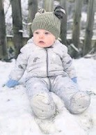 ??  ?? • Reggie's first snow day