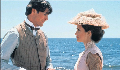 ??  ?? SOMEWHERE IN TIME: Christopher Reeve and Jane Seymour in a piece of romantic tosh, but written by Richard Matheson, the author of Duel.