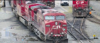 ??  DARRYL DYCK/THE CANADIAN PRESS ?? Two rail unions warn they could go on strike as of midnight Saturday.