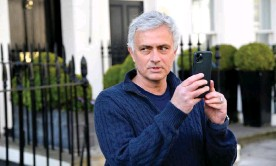?? Photograph: Toby Melville/Reuters ?? José Mourinho arrives at his London home after being sacked by Tottenham Hotspur on Monday.