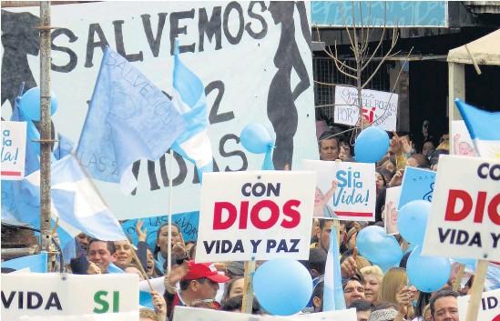 ??  ?? En Chaco, la ofensiva contra el aborto legal no oculta su origen confesional.