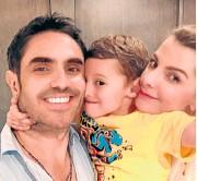 ?? / Fotos Instragram ?? Carolina Cruz, Lincoln Palomeque y Matías están felices con el nacimiento de Salvador.