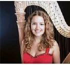?? Foto: Melissa Rachel Kavanagh ?? Die Harfenistin Lea Maria Löffler.