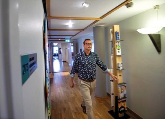 ?? Bild: JARI VÄLITALO ?? STORT TAPP. En viss oro har infunnit sig sedan det står klart att Halmstads kommun kan förlora omkring 46 miljoner, enligt Jonas Bergman (M).