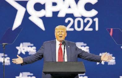 ?? JOE SKIPER / REUTERS ?? Donald Trump, durante su intervención ayer en la Conferencia de Acción Política Conservadora.