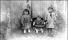 ??  ?? Adrienne, sa soeur Laure et son frère Étienne