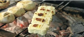 ?? Picture Reuters/Yiannis Kourtoglou ?? Grilled halloumi in a restaurant in Nicosia, Cyprus, this week.