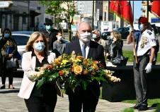 ??  ?? Gérard Larrat le maire et son adjointe Isabelle Chesa