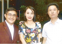 ??  ?? Karl Brian Gascon, Xiaa Hua and Nan Gua