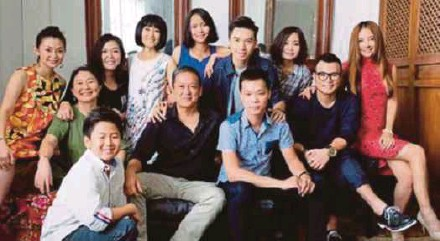 ??  ?? Saw Teong Hin ( front row, second from left) with the cast of his new movie' You Mean The World To Me'.