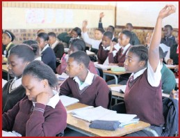 ??  ?? READY AND WILLING: Pupils on the sponsored Grade 9 Maths Programme are highly motivated and eager to learn.