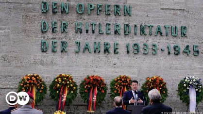 ??  ?? German Labor Minister Hubertus Heil speaks at a memorial to the anti-Hitler resistance