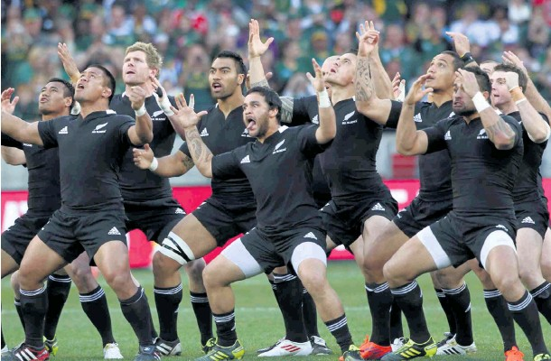 ?? Picture: Alan Eason ?? KA MATE The mighty All Blacks perform the haka ahead of a clash against the Springboks at Nelson Mandela Bay Stadium in Port Elizabeth in 2011.