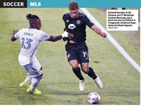 ?? PHOTO AFP ?? Samedi dernier, le défenseur du CF Montréal Zorhan Bassong, qui a joué son soccer mineur à Longueuil, vivait son baptême du Stade Saputo.