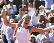 ?? Bild: DAVID VINCENT ?? VANN. Jelena Ostapenko skrällde hela vägen till titeln i Franska öppna.