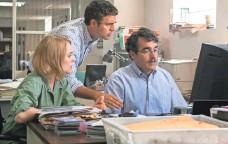 ?? KERRY HAYES, OPEN ROAD FILMS ?? Rachel McAdams (Sacha Pfeiffer), left, Mark Ruffalo (Michael Rezendes) and Brian d'Arcy (Matt Carroll) in Spotlight.